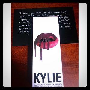 🟣Kylie Jenners lip kit SHADE-SPICE🟣
